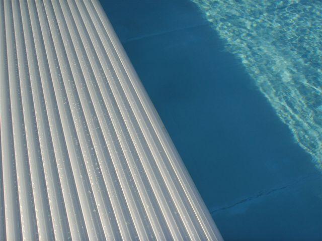 Couverture de piscine et volets - Avantage service piscine Biot Mandelieu Cannes Grasse 06